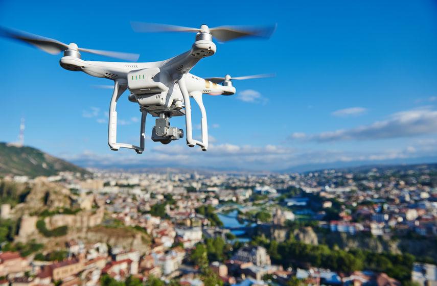 Drone racer différence avec le drone classique